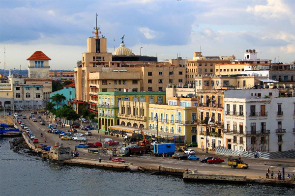 ve-may-bay-di-cuba-2